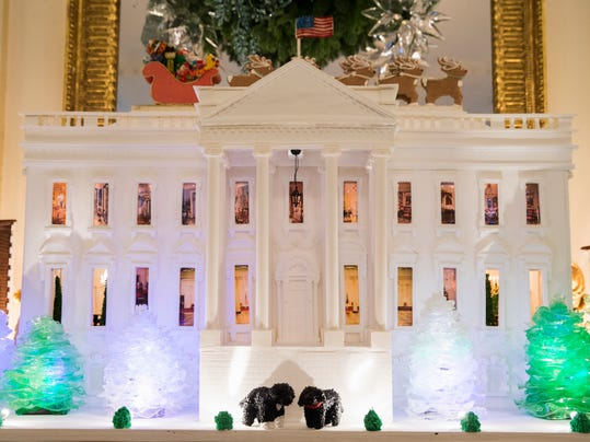 White_House_Decorations__datkinso@thenorthwestern.com_2.jpg