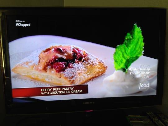 Fernando Ruiz's dessert: Berry puff pastry and crouton