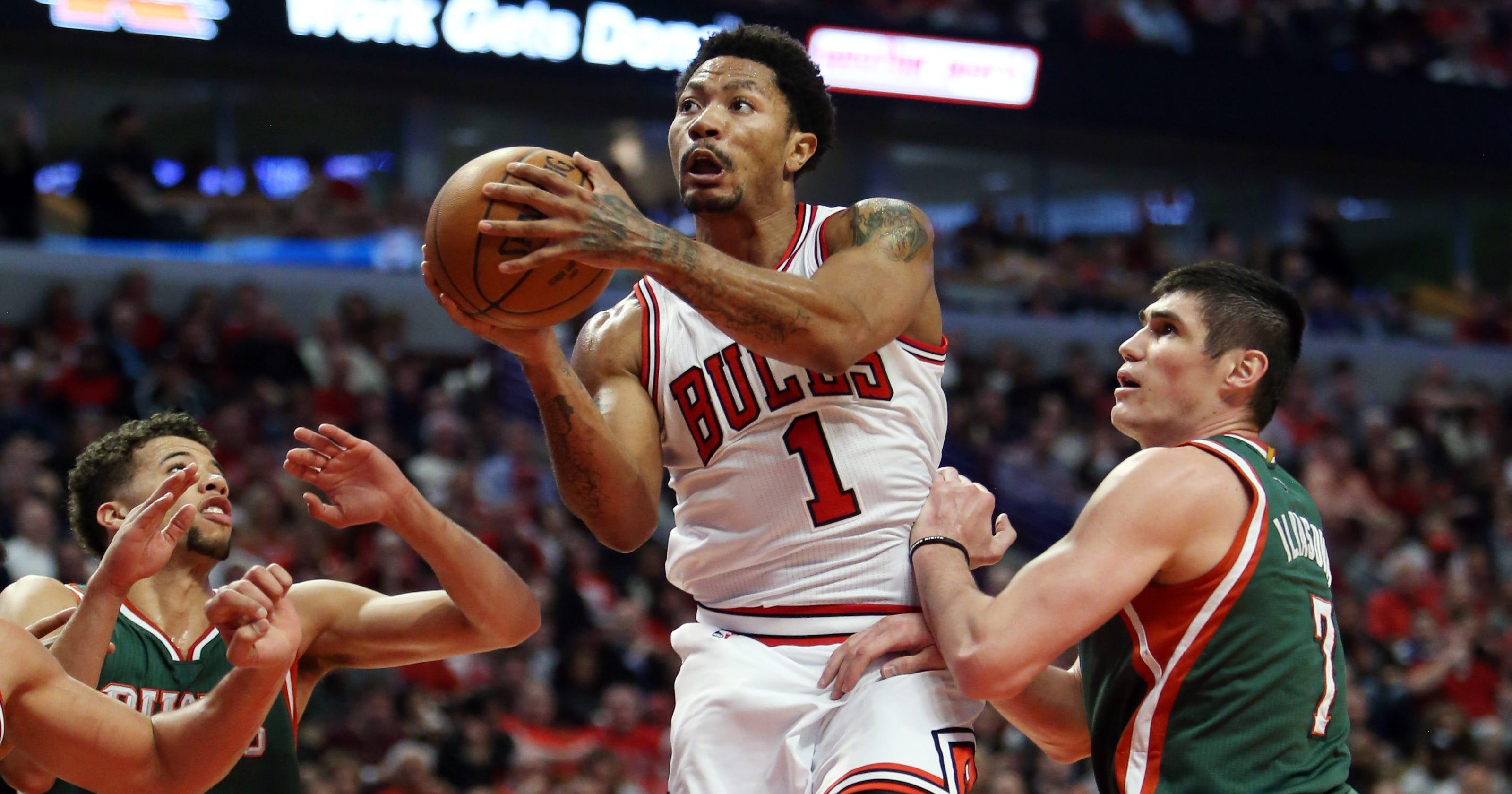 6a15112090c Derrick Rose helps Bulls drop Bucks in playoff return