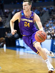 Lipscomb guard Garrison Mathews (24) as Lipscomb plays North Carolina in the 2018 NCAA MenÕs Basketball Tournament