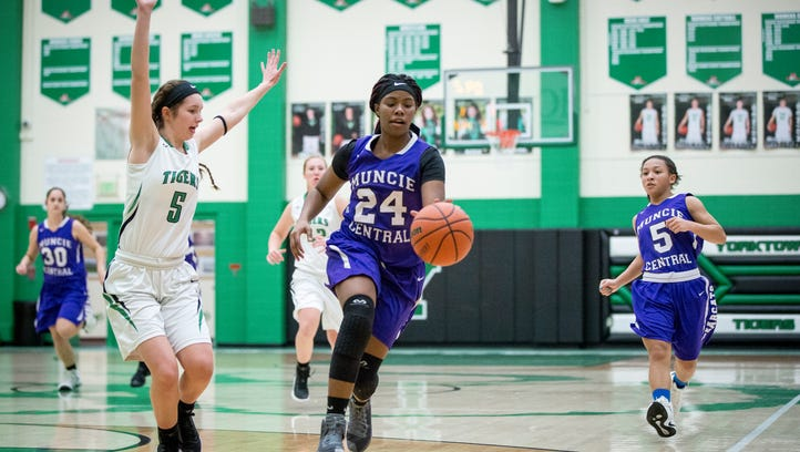 Yorktown took on Central in women's basketball Tuesday night at Yorktown High School. Yorktown won the game 37-31.