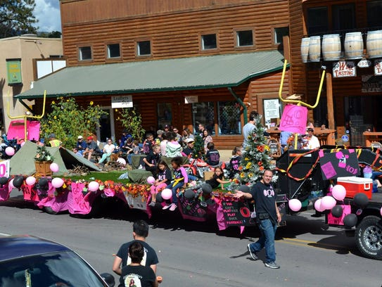 Ruidoso Ducks Football took third place with this float.