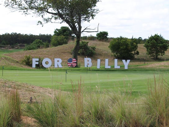 Tributes to Bill Kelly were everywhere on the golf