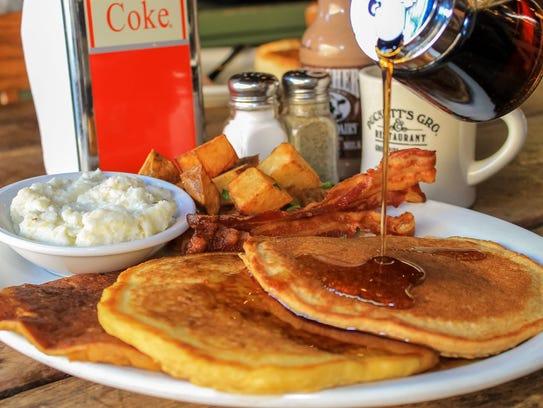 Puckett's Grocery in Murfreesboro will serve up a breakfast