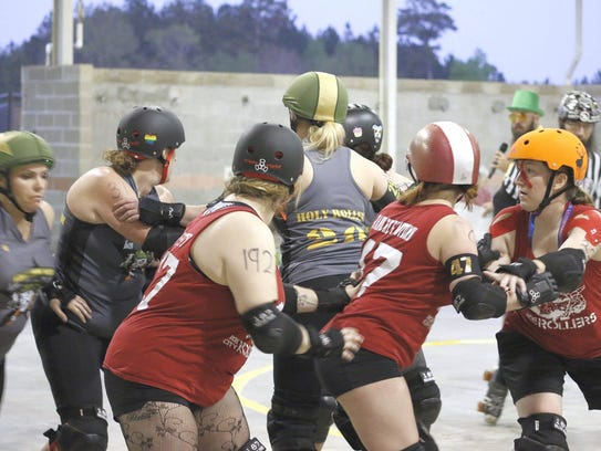 The Roe City Rollers battle Mississippi Thursday.
