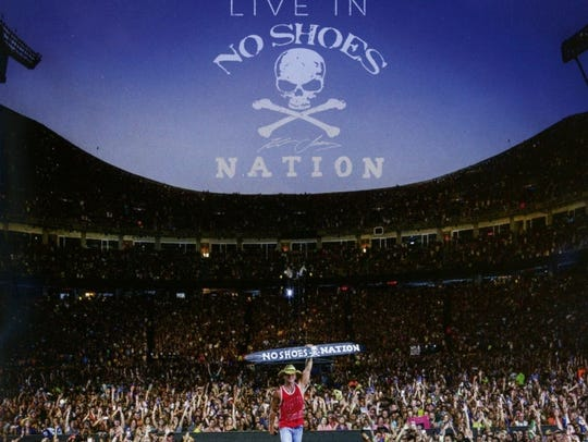 Live in No Shoes Nation — Kenny Chesney