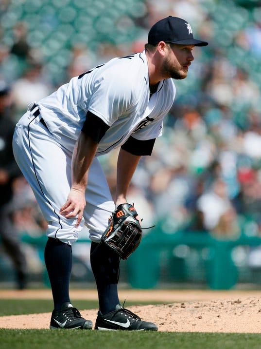 636600120484087737-AP-Royals-Tigers-Baseball-MI-3-.jpg