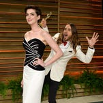 Jared Leto photobombs Anne Hathaway at Oscar party