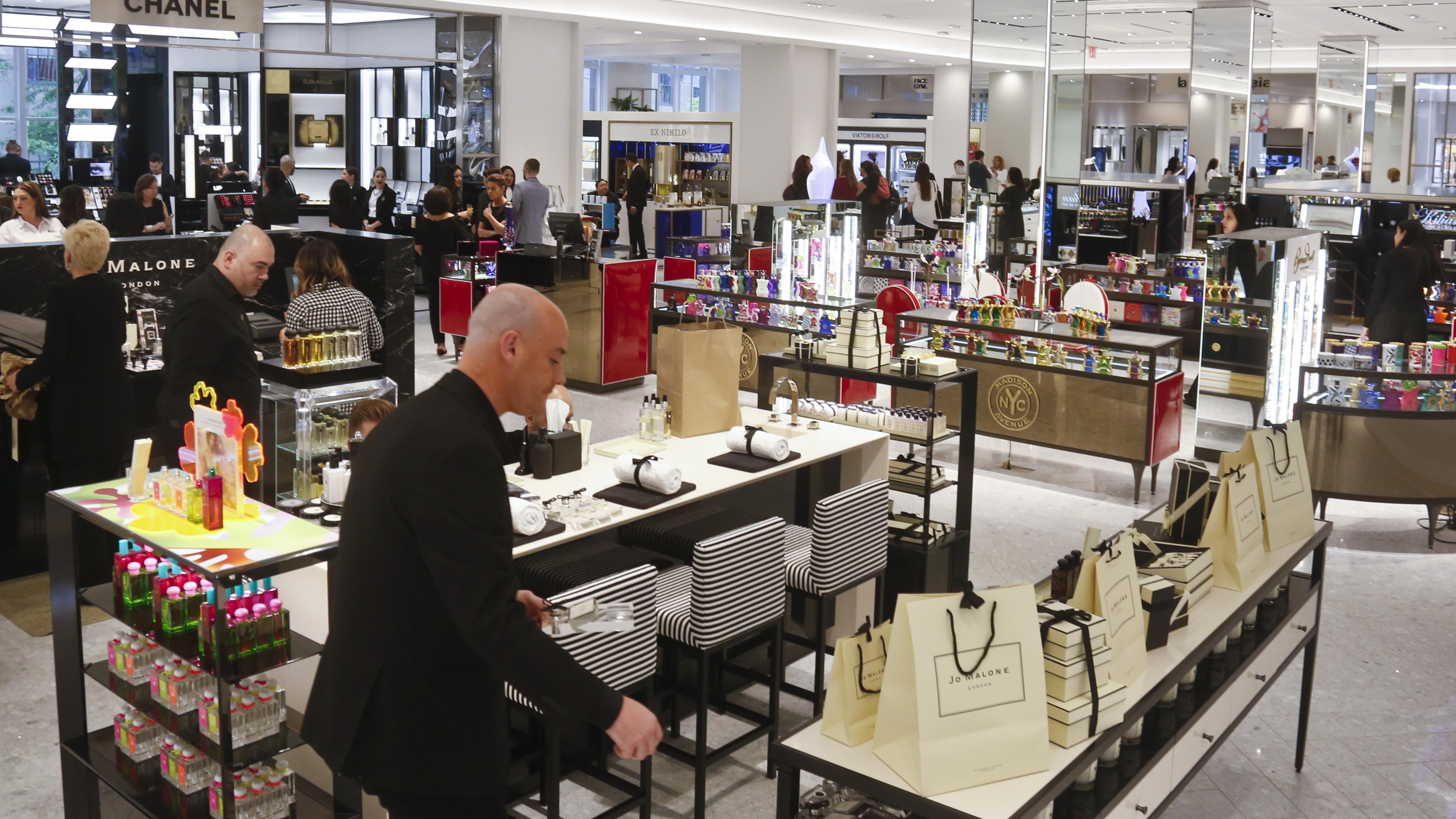 Department Stores Making Themselves Over In Beauty Battle Manual Guide