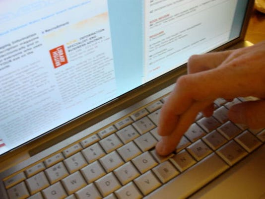 laptop_generic_1406117610480_7016616_ver1.0_640_480.jpg