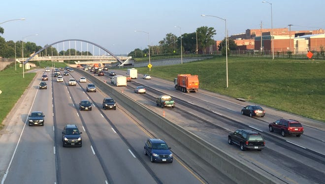 Traffic on Interstate Highway 235 in Des Moines