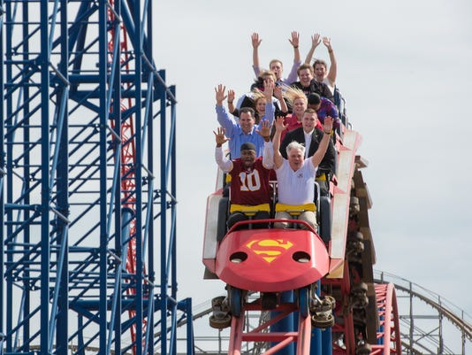636020126579396169-Six-Flags-superman-ride.jpg