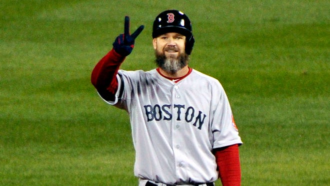 A concussion endangered Red Sox catcher David Ross' season.