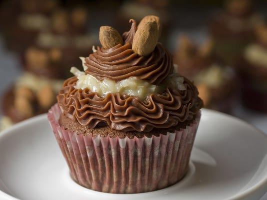AP FOOD CHOCOLATE CUPCAKES A SPF USA NH