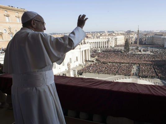 AP APTOPIX VATICAN POPE CHRISTMAS I VAT