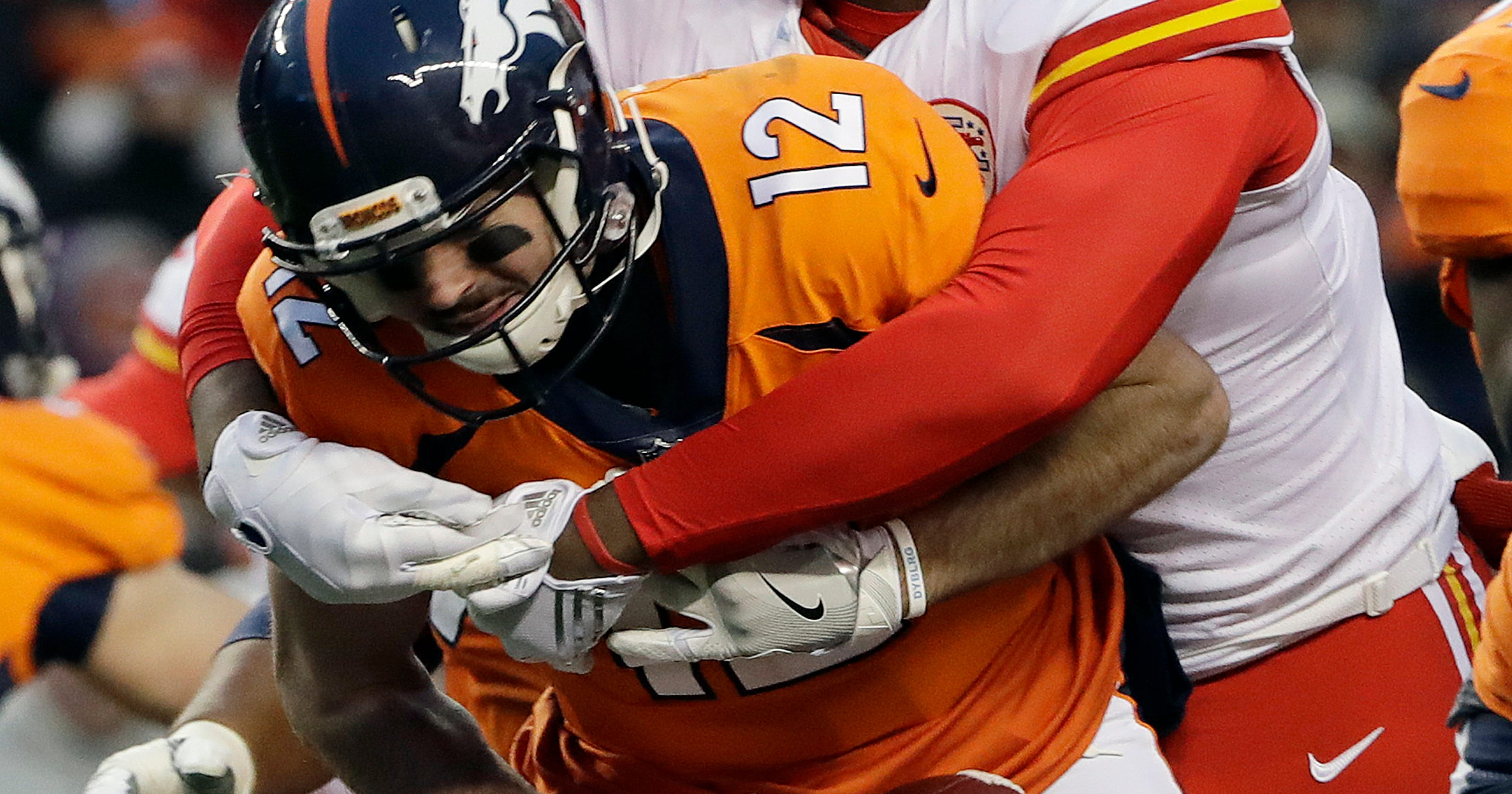 Mahomes leads Chiefs past Broncos 27-24 in 1st start cb46b3c1d