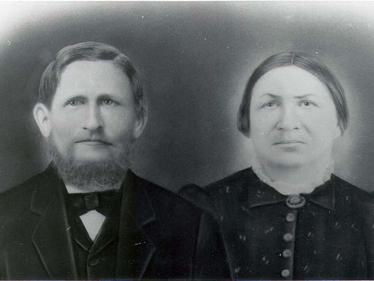 Conrad and Martha Lindemann Schmidt.jpg