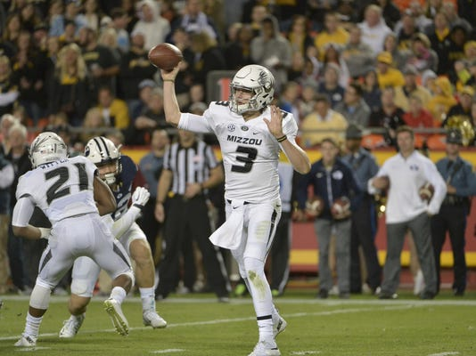 NCAA Football: Brigham Young at Missouri