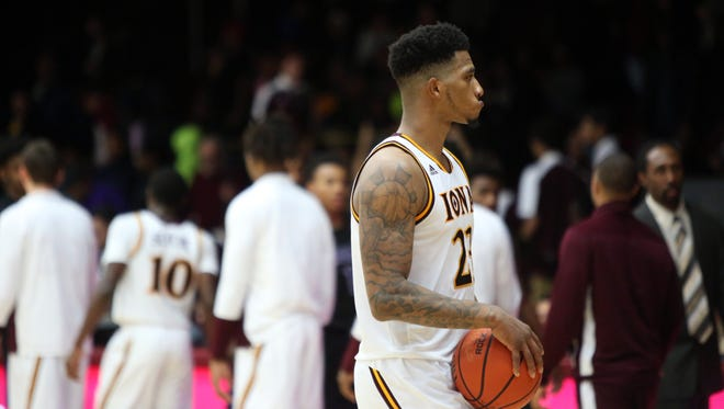 Iona's Jordan Washington walks off the court after losing to Niagara 74-58 in the men's basketball home opener at Iona College, Dec. 4, 2016 in New Rochelle.