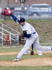 Hunter Homerda delivers a pitch for Notre Dame in a