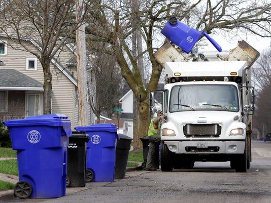 -APCBrd_12-29-2013_Crescent_1_A004~~2013~12~28~IMG_APC_n_RecyclingBins__1_1_.jpg