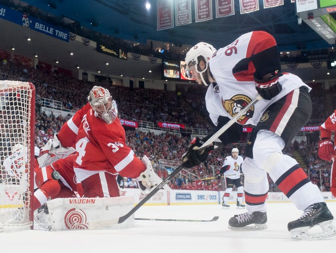 Ottawa Senators center Mika Zibanejad fails to get