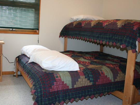 Twin Lakes State park Lodge, Bedroom