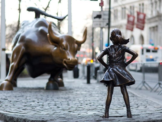 AP FEARLESS GIRL WALL STREET A USA NY