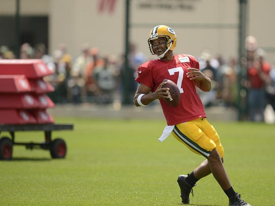 Green Bay Packers rookie quarterback Brett Hundley runs drills during training camp practice at Ray Nitschke Field.