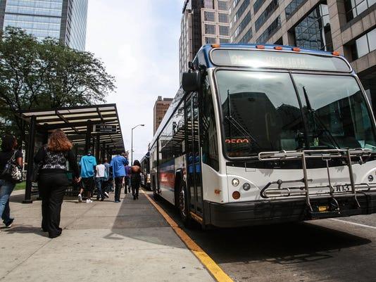 -001_bus.jpg_20130815.jpg