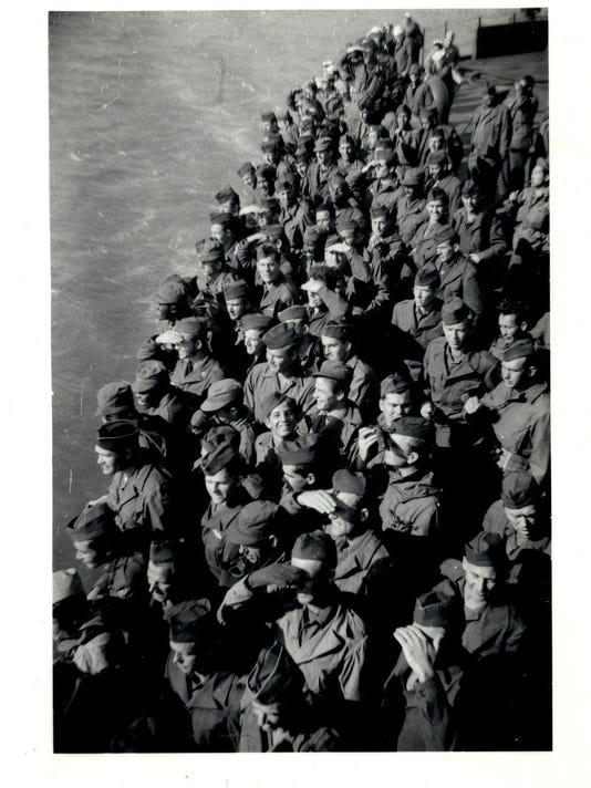 soldiers under the golden gate bridge