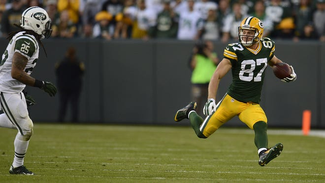 Green Bay Packers receiver Jordy Nelson runs with the ball after making a catch in the fourth quarter during Sunday's game against the New York Jets at Lambeau Field.  Evan Siegle/Press-Gazette Media/@PGevansiegle