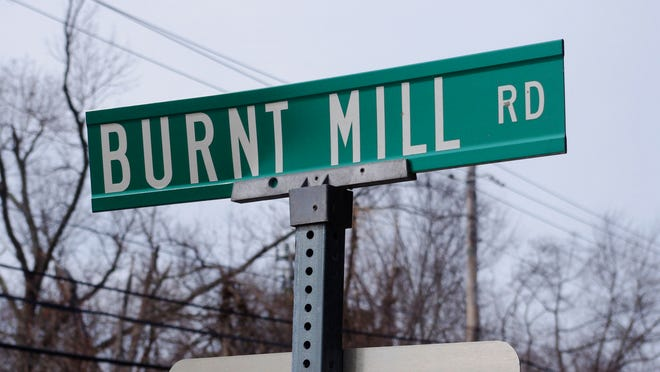 The street sign for Burnt Mill Road in Atco.