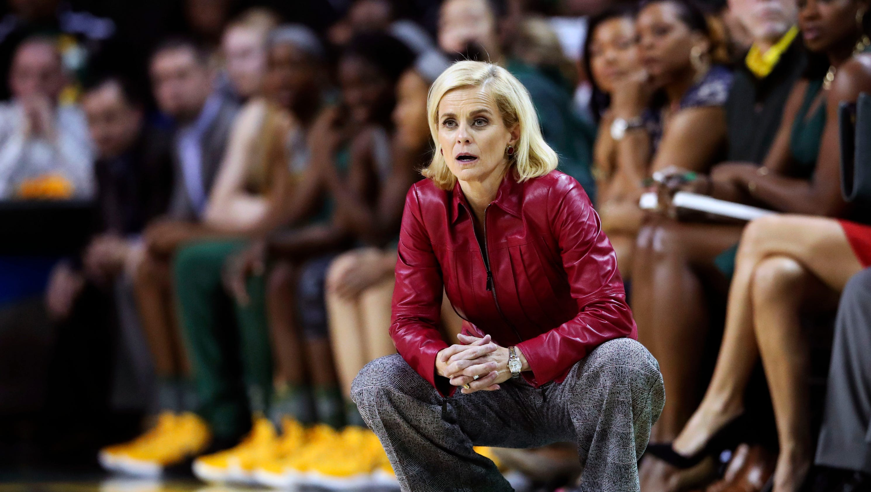 Baylor's Kim Mulkey apologizes for remarks about assault scandal