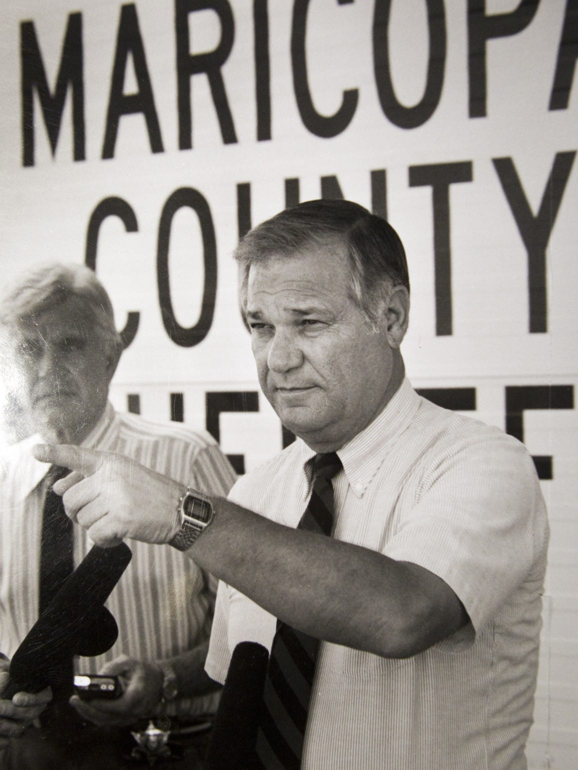In 1991, Maricopa County Sheriff Tom Agnos answers