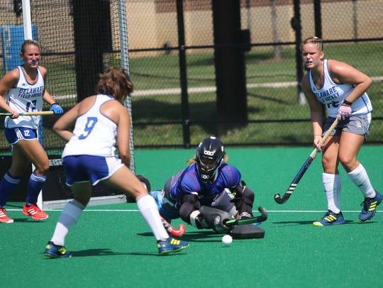 The University of Delaware field hockey team in its