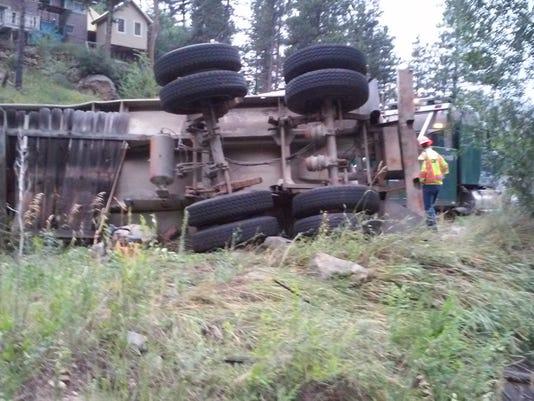 636689061268348484-crash.jpg