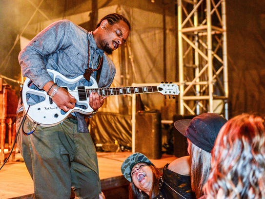 Jarekus Singleton will perform at the Bisbee Blues