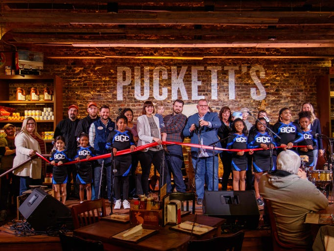Puckett's Gro. & Restaurant held a ribbon cutting with