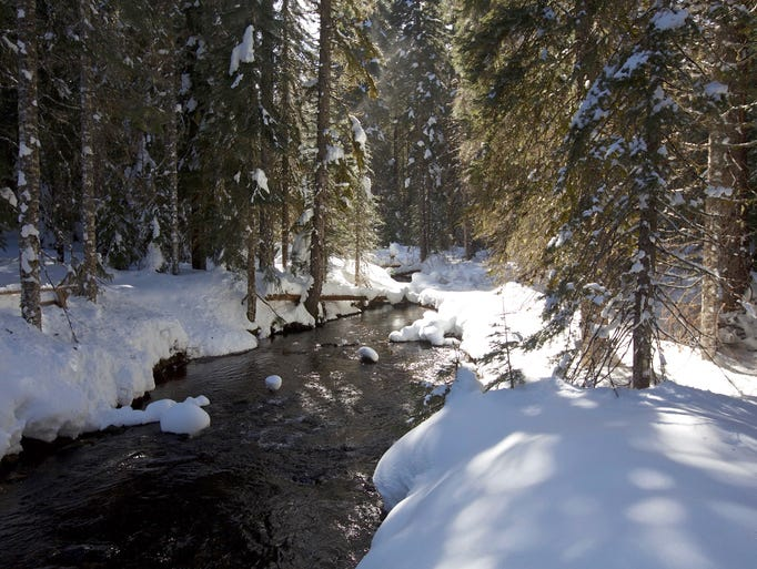 One of the highlights of the snowshoe route to Fey