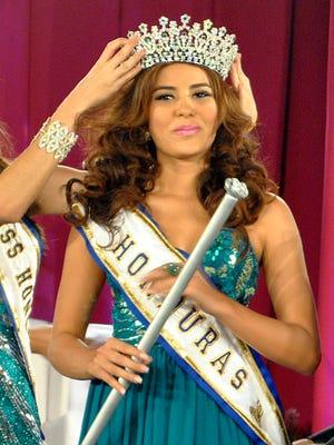 Maria Jose Alvarado is crowned the new Miss Honduras on April 26.