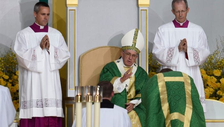 Hundreds of thousands flood Philly for Pope Francis' final Mass