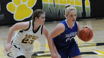 Panthers overcome shooting woes, hand Bearcats loss