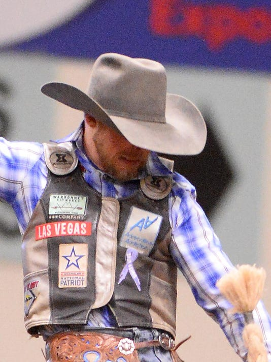 Tew Mytty Tandem Sets Team Roping Pace
