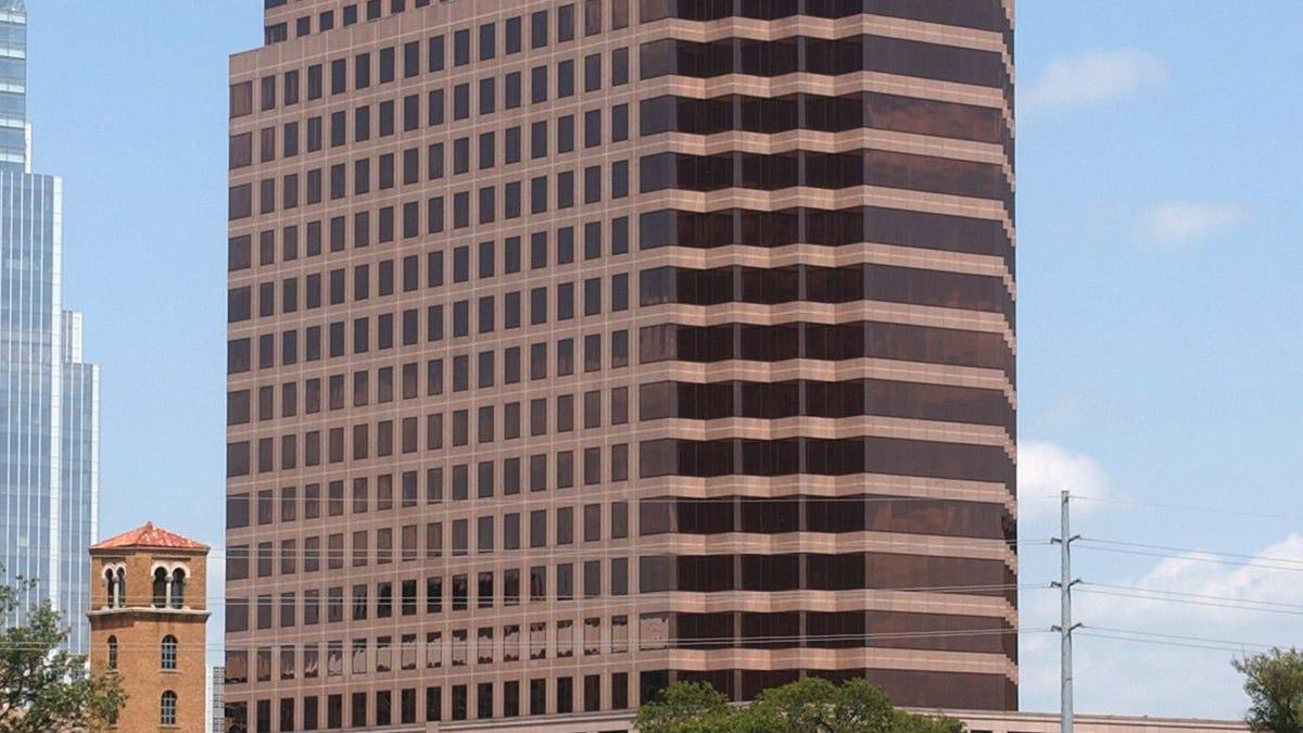 Downtown Austin office tower 100 Congress hits market