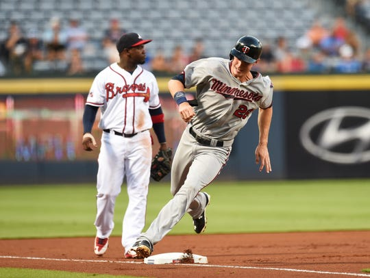 Minnesota Twins right fielder Max Kepler (26) runs