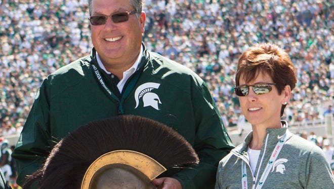 MSU Receives $10 Million Gift For Spartan Athletics Alumni Bob and Julie Skandalaris are providing a $10 million facilities gift that enhances the Spartan football, golf and basketball programs, while providing momentum for MSU's universitywide capital campaign.