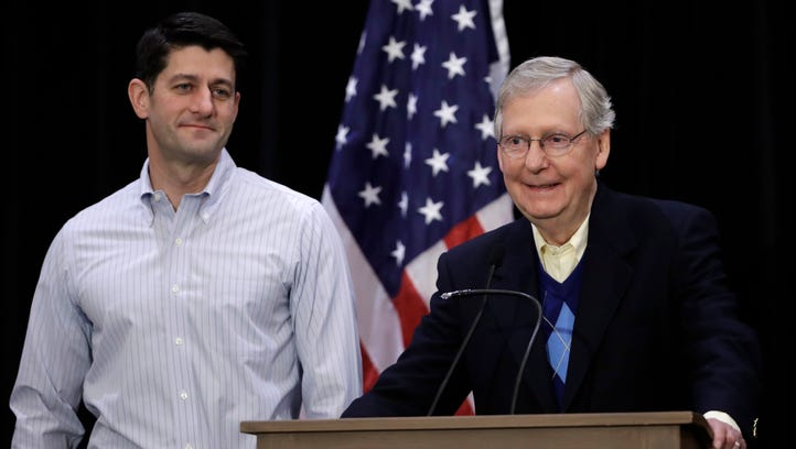 Senate Majority Leader Mitch McConnell, R-Ky., right,