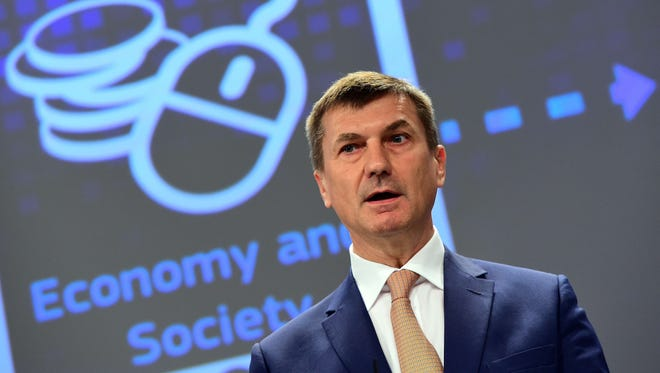 European Commissionner for the Digital Single Market Andrus Ansip holds a press conference on the Digital Single Market at the European Commission in Brussels, on May 6, 2015.