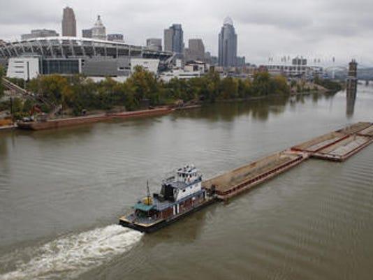 635587354790455761-river-barge-landers-t